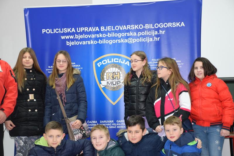 Read more about the article Bjelovarsko kazalište posjetilo Policijsku upravu Bjelovarsko-bil.